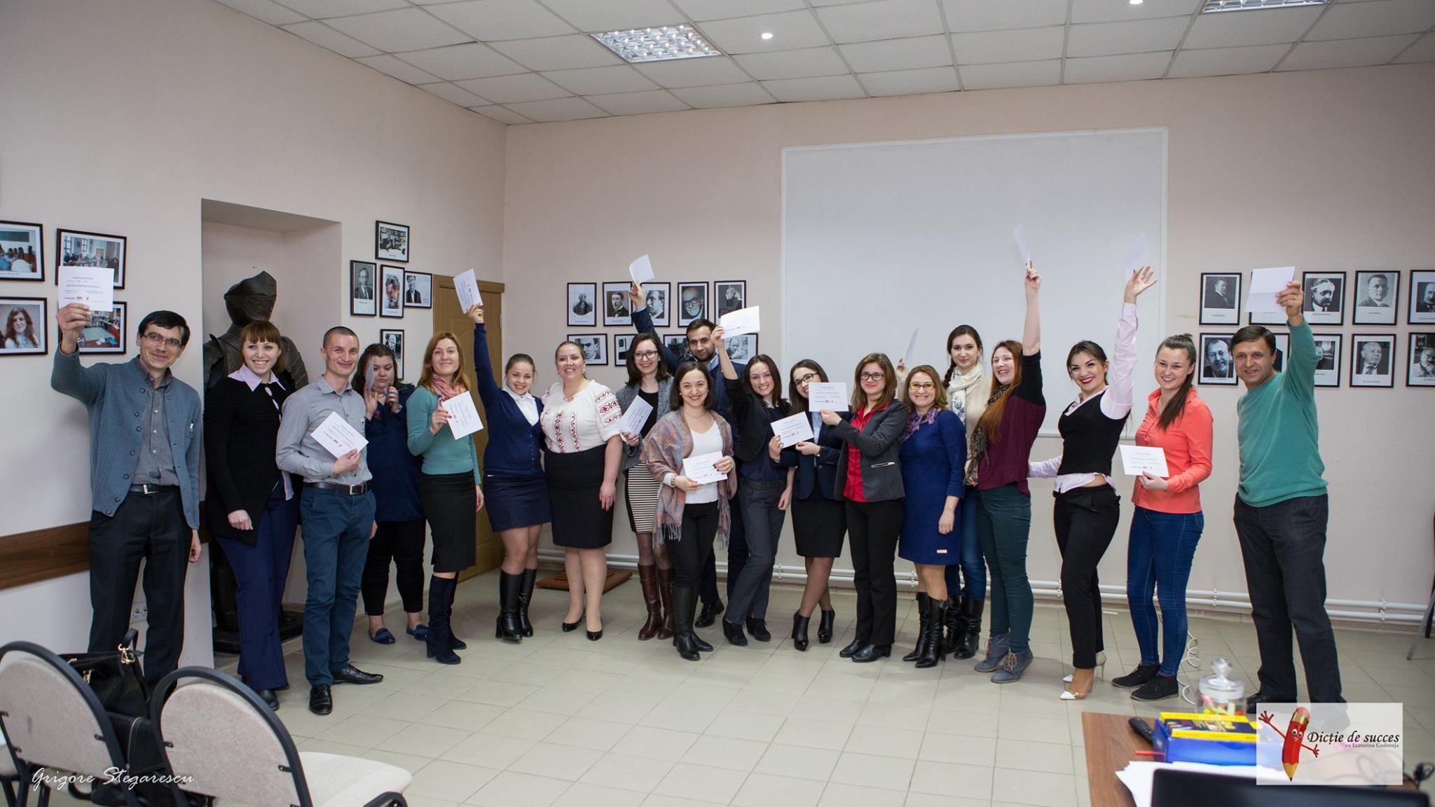 Înmânare certificate la ora de dicție în Moldova